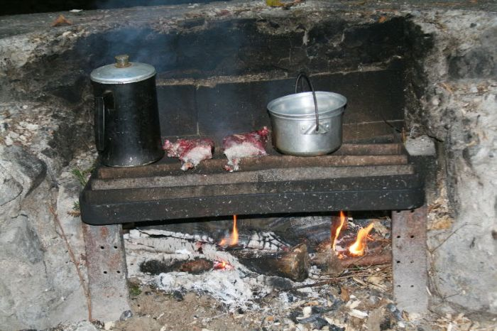 My camp pot has now been returned to duty as before when it cooked me a meal in New York's Adirondack Mountains.
