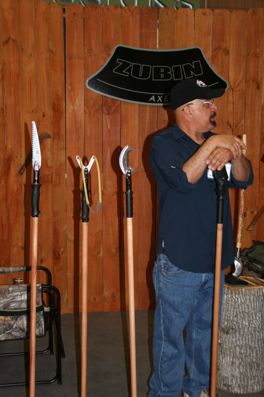 What You Missed at the 2014 Atlanta Blade Show | Backyard deer hunting